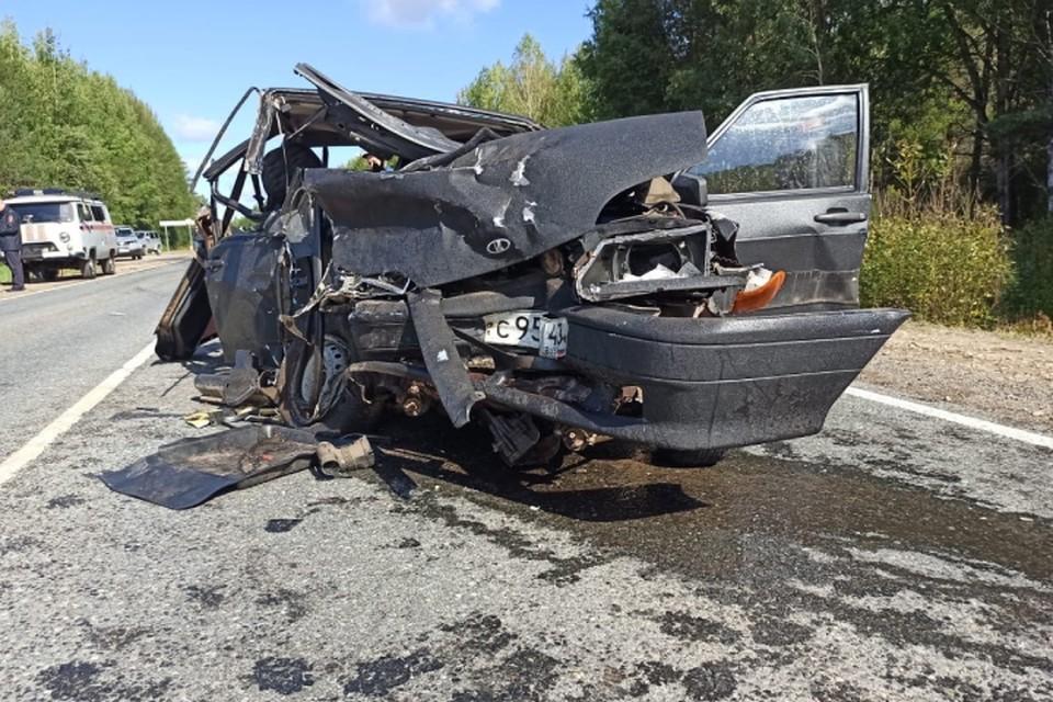 В оезультате ДТП погибла пассажирка «четырнадцатой». Фото: vk.com/gibdd43