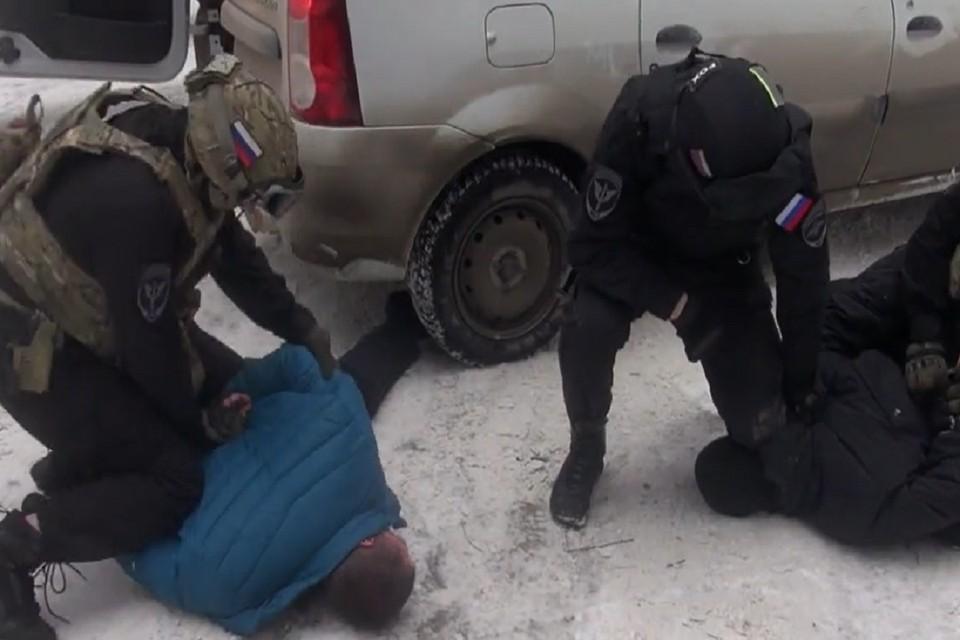 Полицейские задержали под Новосибирском наркокурьера. Фото: ГУ МВД по НСО.