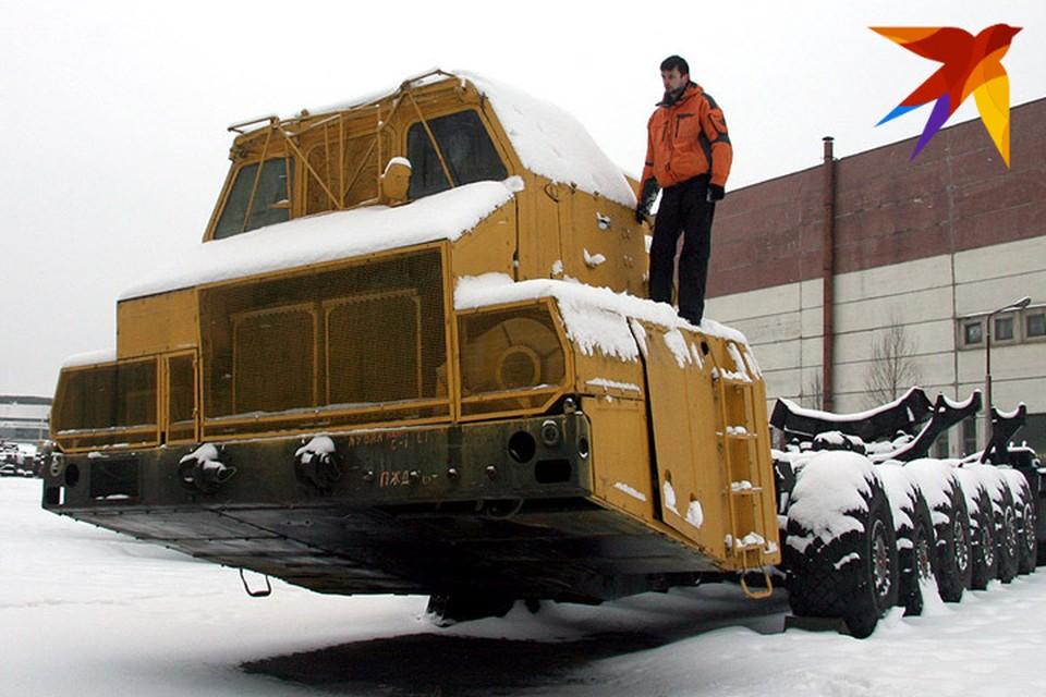 Корреспондент «Комсомолки» изучил единственный сохранившийся экземпляр «тягача апокалипсиса». Сейчас машина стоит на внутреннем дворе МЗКТ.