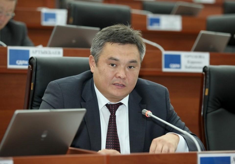 Марат Аманкулов сдал мандат.