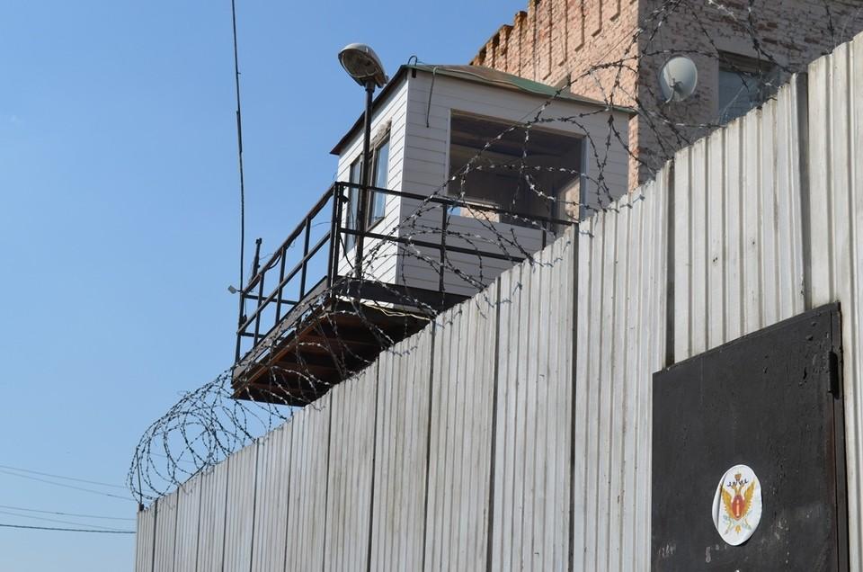 Экс-сотрудника орловской колонии наказали за взятку от осужденного