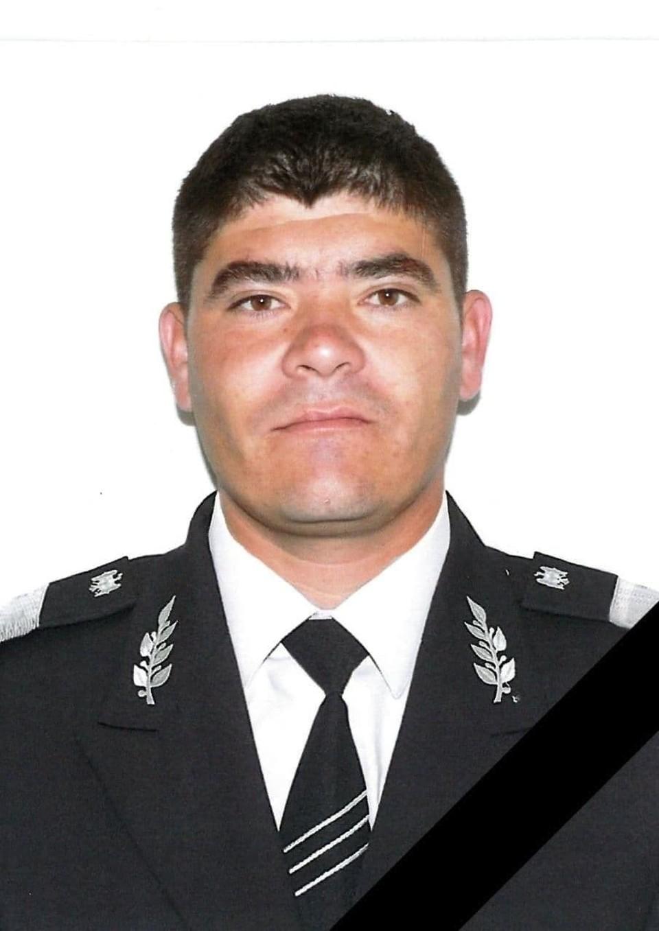 COVID-19 забрал жизнь молодого полицейского- отца четырех детей.