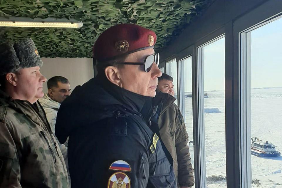 На днях на учения в Арктику прилетел директор Росгвардии генерал армии Виктор Золотов. Фото предоставлено пресс-службой Росгвардии