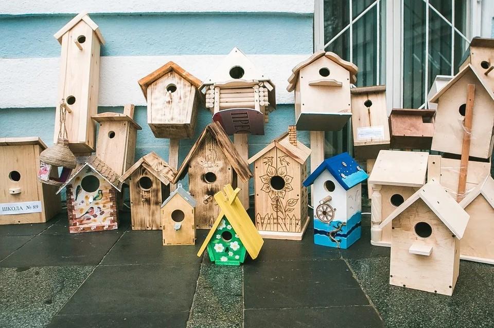 Нижегородские школьники передали подрядчику первые 145 искусственных гнездовий. Фото: Марина Скрипкина