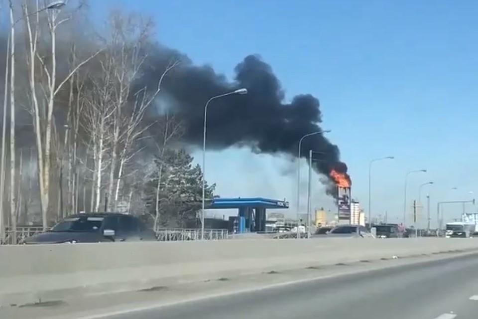 Огонь удалось потушить за 6 минут. Фото: Новосибирская служба эвакуации «АСТ-54».