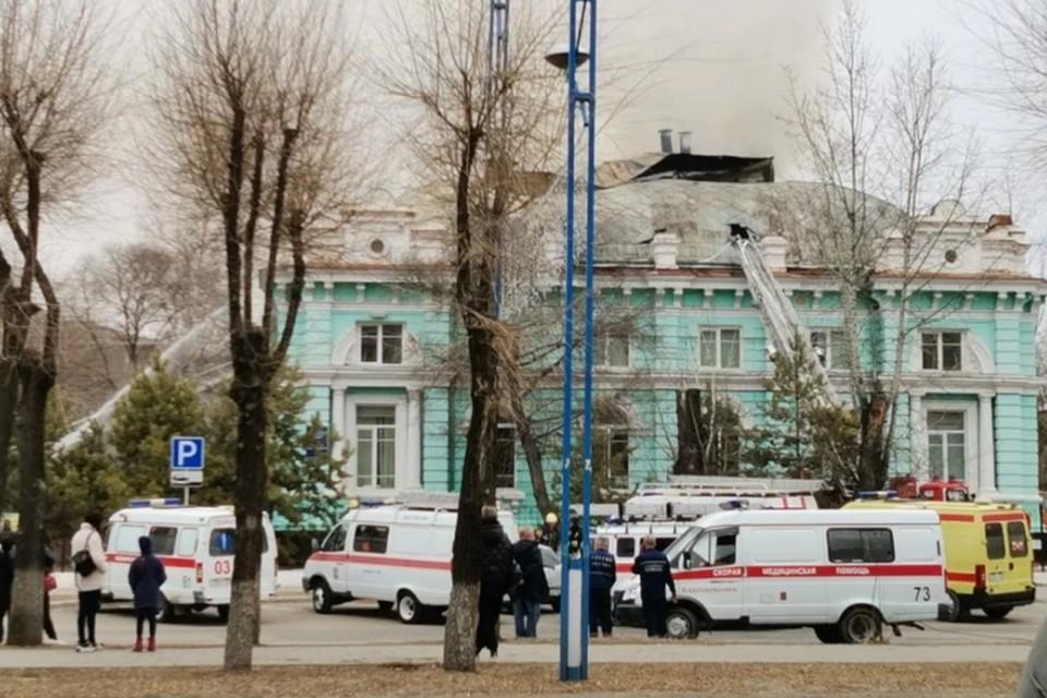Операция на открытом сердце в горящей клинике закончилась успешно. Источник фото: amurobl.ru