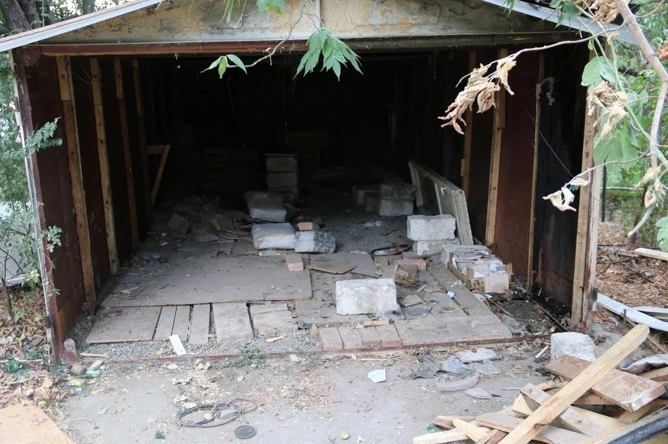 Из гаражей пропали вещи общей стоимостью около 200 тысяч рублей