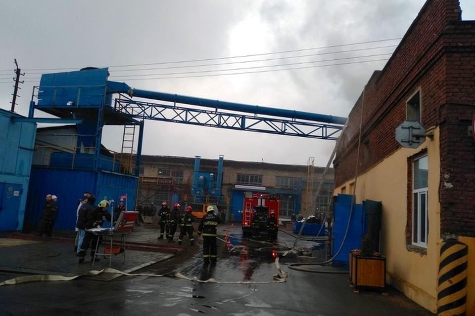 На Минском заводе шестерен произошел пожар в цеху. Фото: МЧС