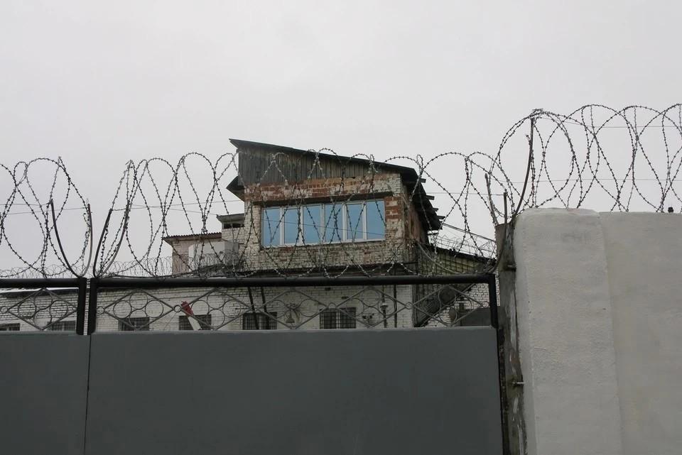 Также заключенные разбили еще 20 камер видеонаблюдения.