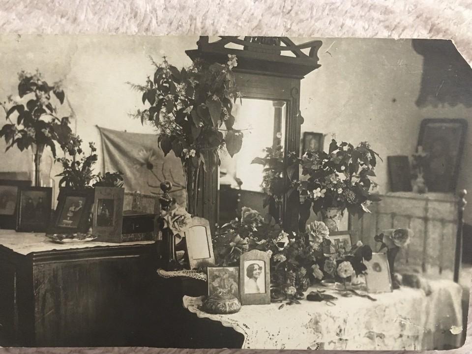 Такой была обстановка дома семейства Сеппи в Севастополе