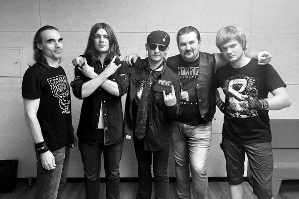 17 апреля у группы должен был быть концерт в Тольятти, а 18-го - в Самаре