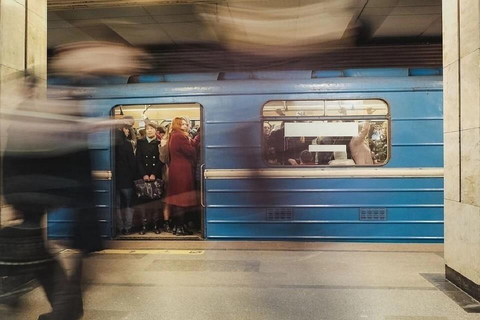 """В Новосибирске перекрыли станцию """"Площадь Маркса""""."""