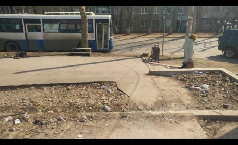 Незаконно построенный павильон снесли в м-не Юбилейный в Иркутске. Фото: УФССП РФ по Иркутской области