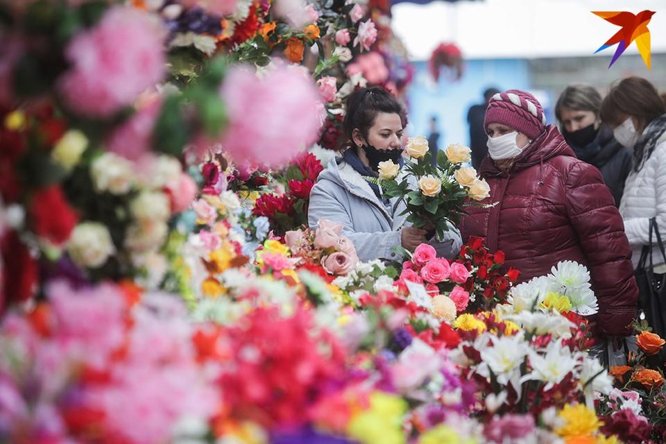 Торговля искусственными цветами в Беларуси в последние десятилетия стала прибыльным бизнесом.