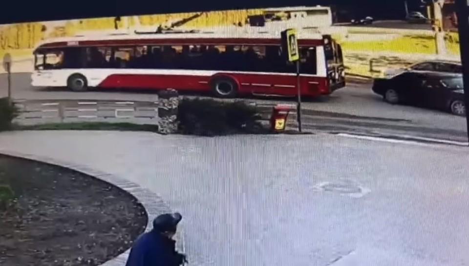 Виновник аварии покинул место ДТП (Фото: скрин с видео).