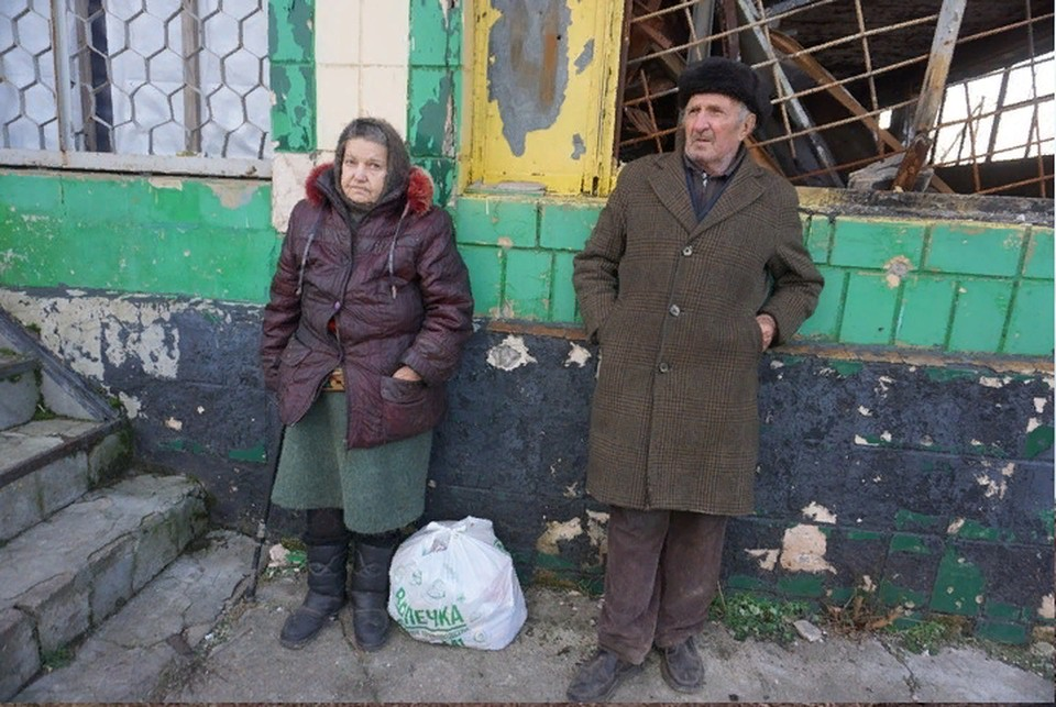 Как жители республик живут в условиях войны и жесткой блокады - вопрос, который мало интересует Украину. Она предпочла наказать «неугодных» путем военной расправы и лишением всех законных прав
