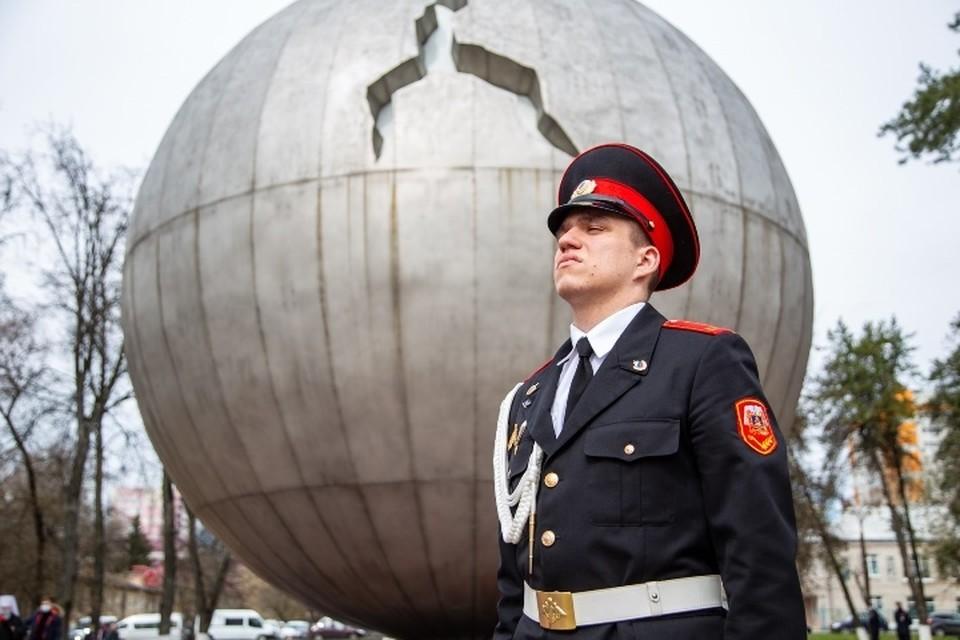 В Брянске состоялся митинг, посвященный 35-летию аварии на Чернобыльской АЭС. Фото: пресс-служба Брянского городского Совета.