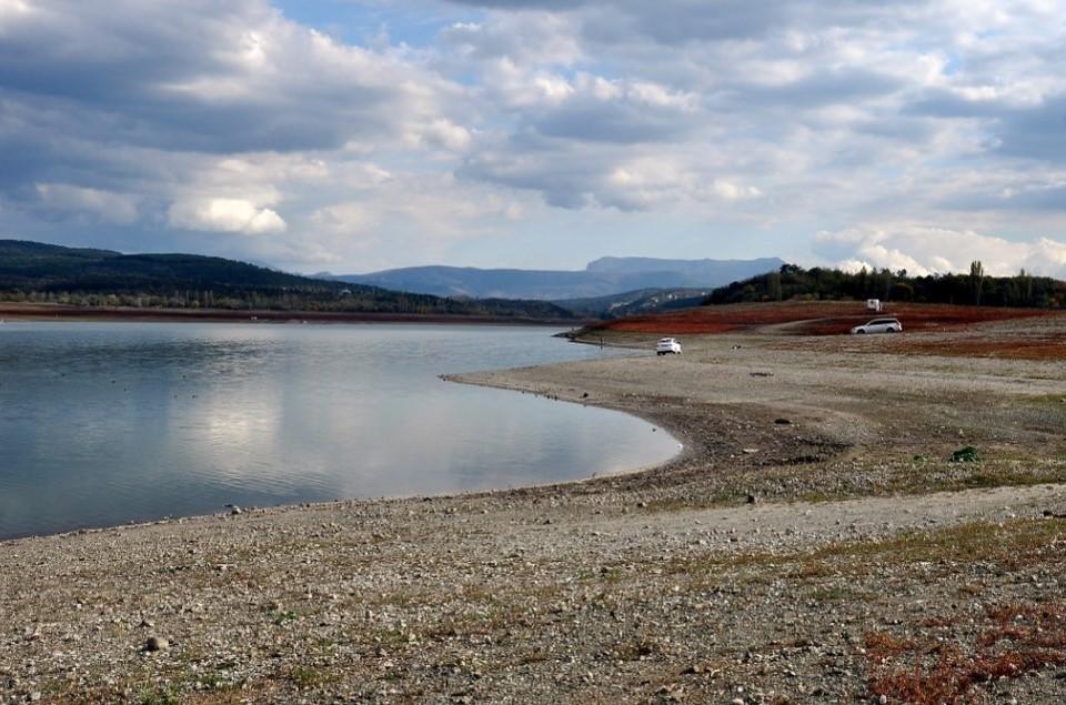 Если объемы воды в море приличные, то главным вопросом, по мнению местных властей, остается качество воды