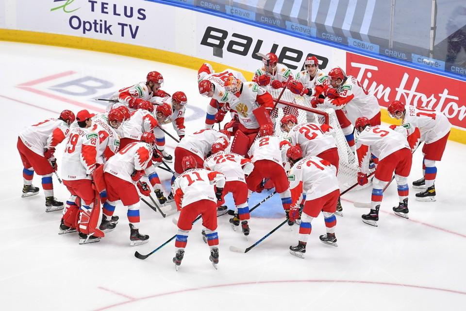 Хоккеисты сборной России выиграли первый матч на юношеском ЧМ по хоккею 2021 в США у американцев.