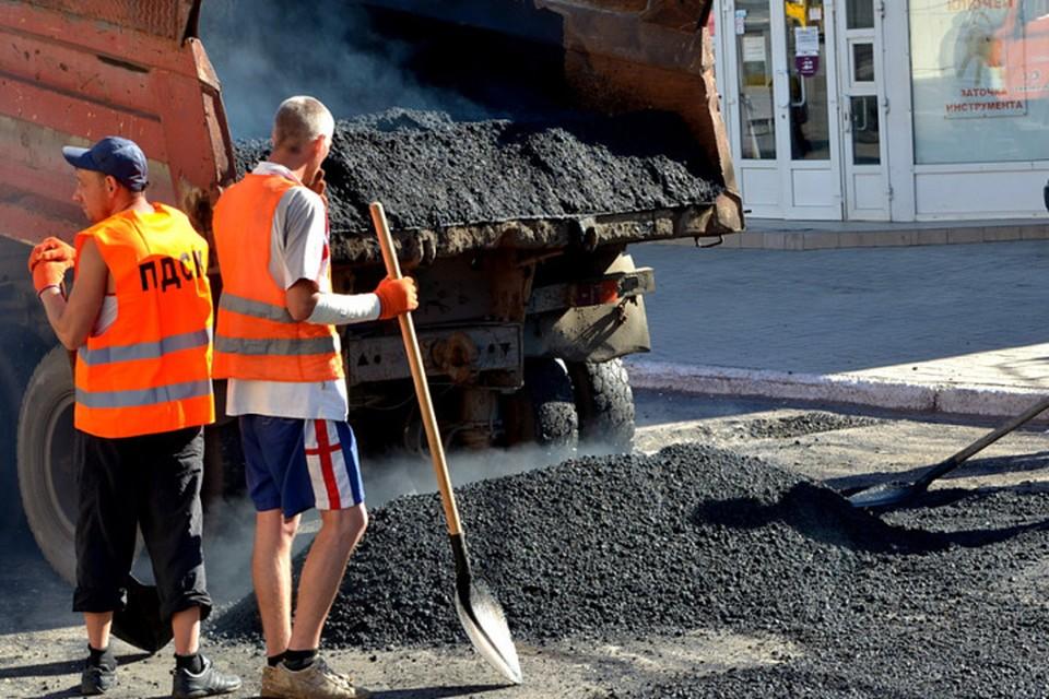 В Донецке полным ходом идет ремонт центральных автомагистралей