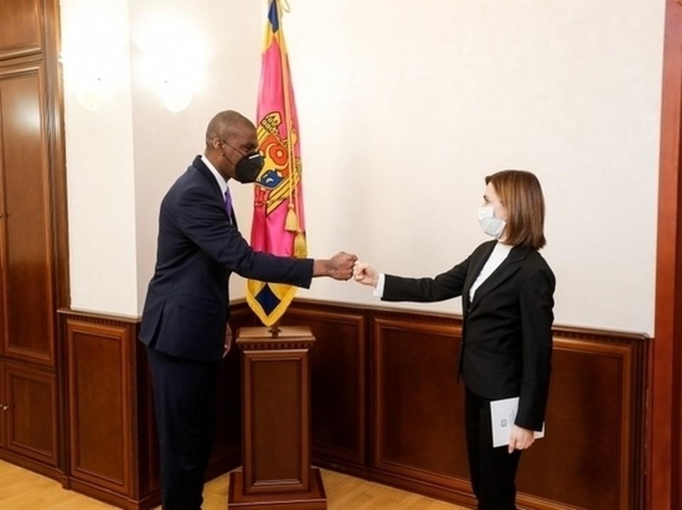 Сейчас Молдова находится под внешним управлением США (Фото: presedinte.md).