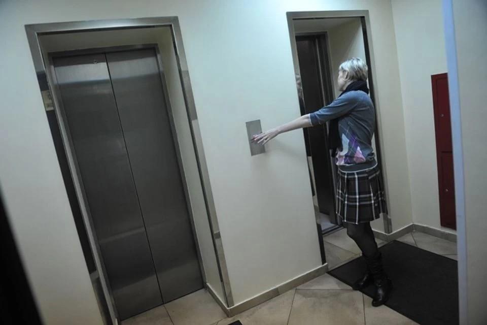 Лифты в некоторых домах не работают уже неделю