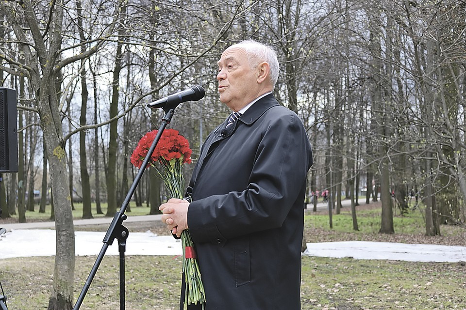 Академик РАН Александр Румянцев на траурном митинге. Фото: Ольга МАКАРОВА
