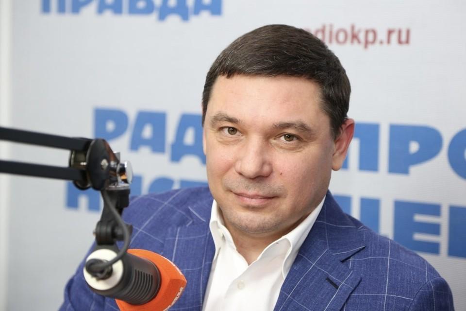 Мэр краевого центра в прямом эфире радио «КП»-Краснодар». Программа называется «Городская среда с Евгением Первышовым».