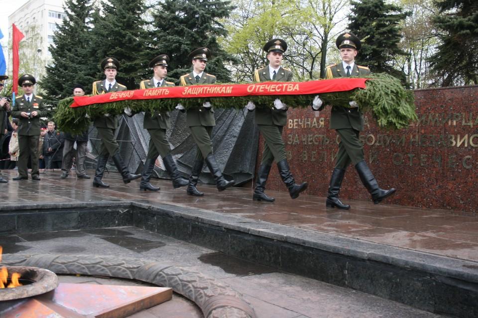 А вот возложение венков к Вечному огню во Владимире все-таки будет.