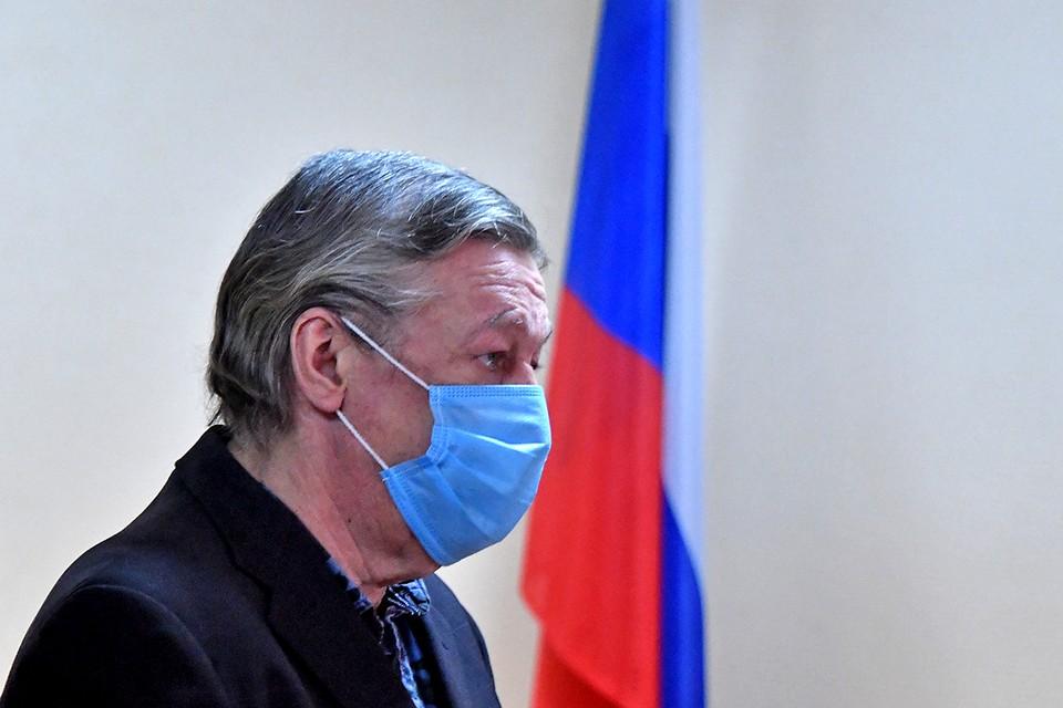 Актёр Михаил Ефремов в зале заседаний Пресненского суда во время оглашения приговора.