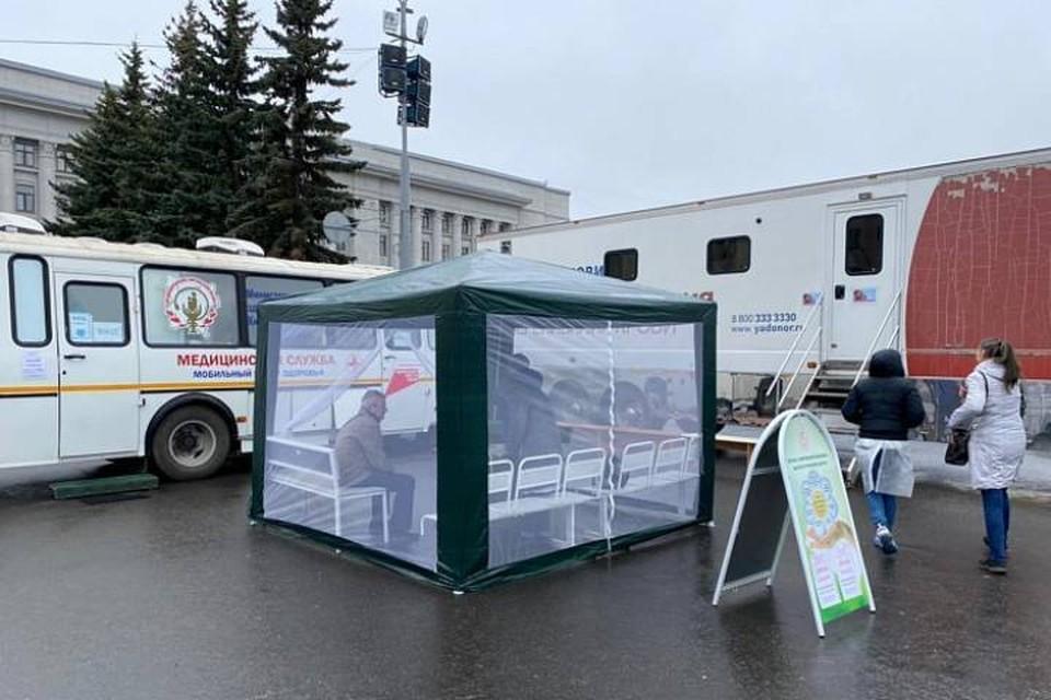 Кировчане смогут поставить прививку от коронавируса во все дни майских праздников. Фото: admkirov.ru
