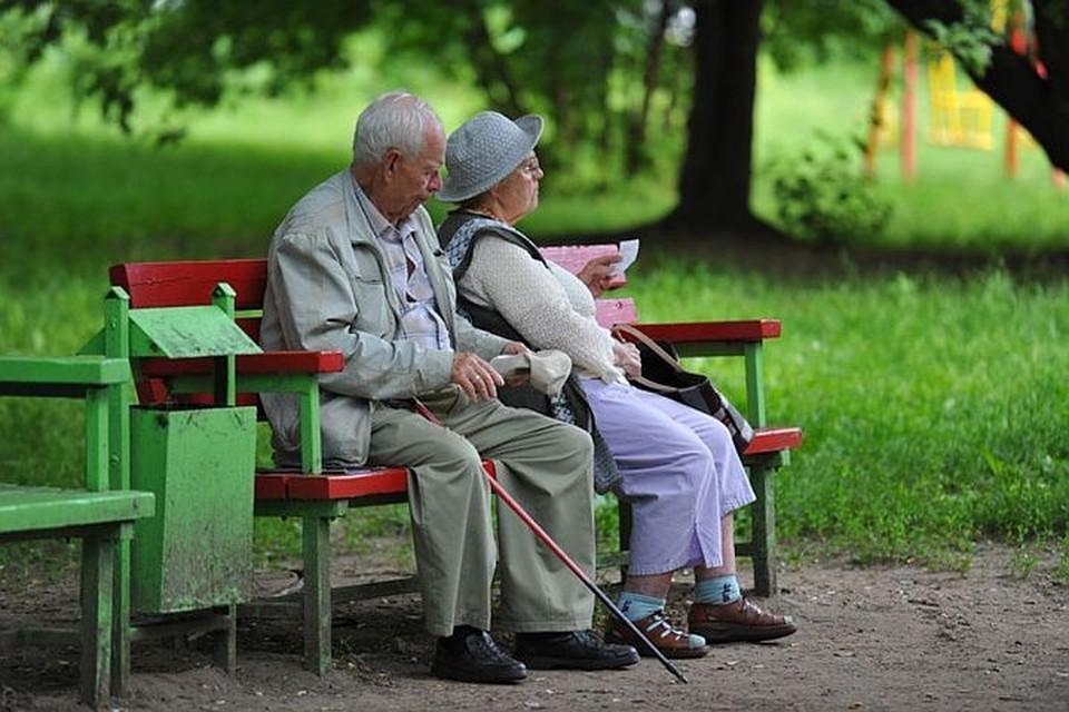 Право получать две пенсии в России имеют участники Великой Отечественной войны и люди, имеющие инвалидность