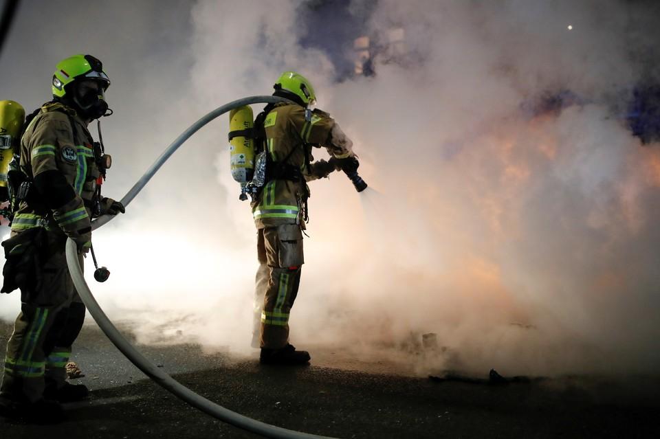 Крупный пожар и взрывы произошли на химическом заводе в Иране