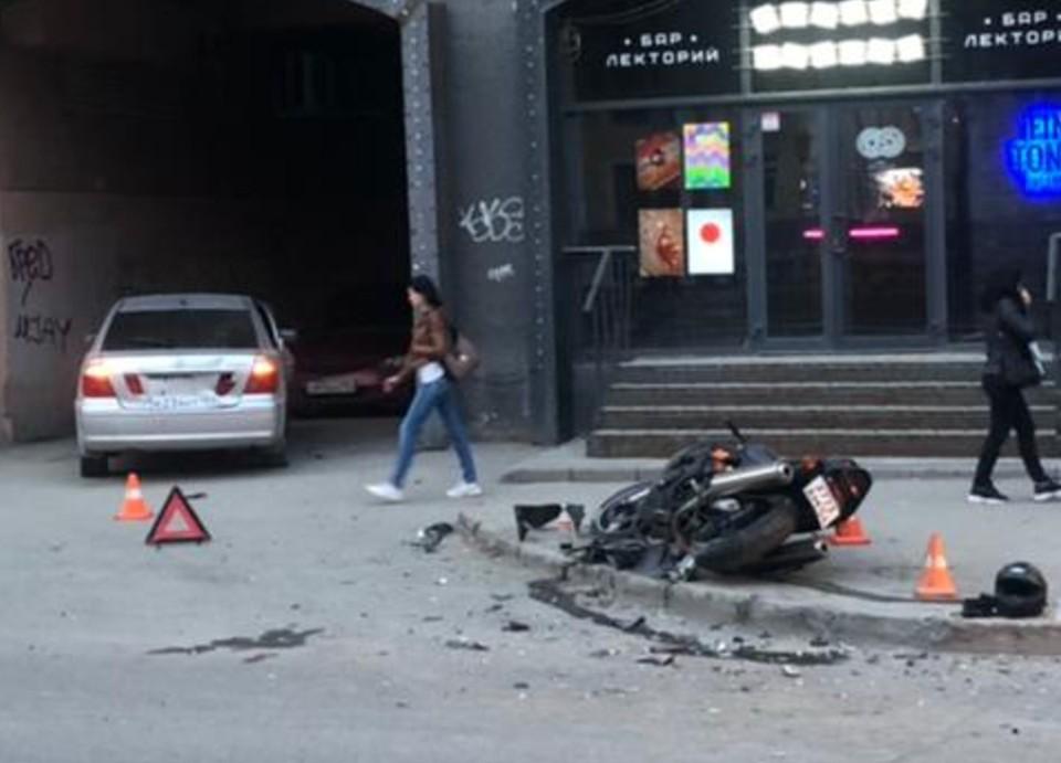 Мотоциклист оказался в больнице. Фото: отряд пропаганды ГИБДД по Новосибирску