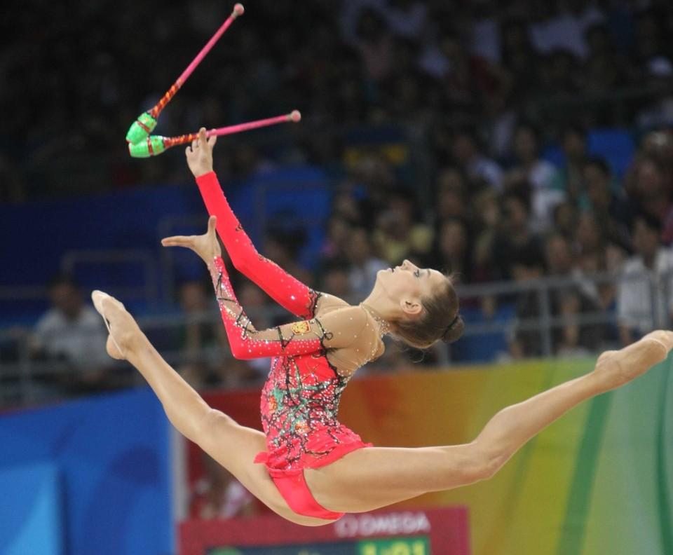 Лучших гимнасток наградят именными кубками, призами и грамотами.