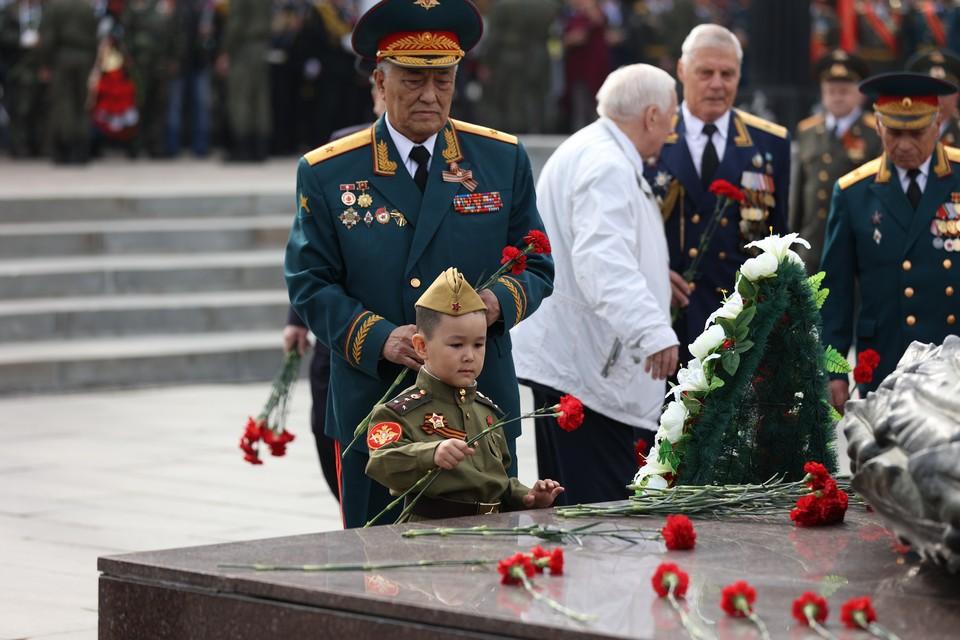 В церемонии приняли участие челябинцы всех возрастов