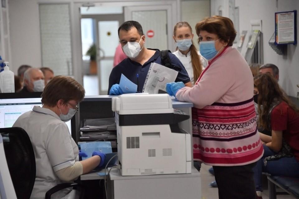 За последние сутки в Смоленской области 40 человек заразились коронавирусом.