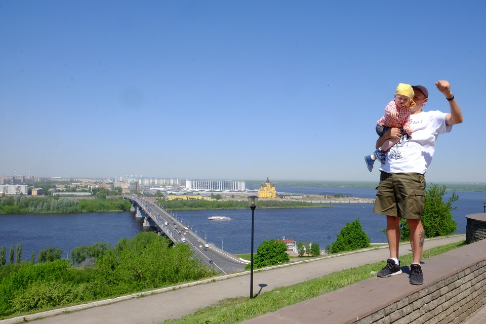 Корреспондент «КП» уже оценил красоты Нижнего Новгорода. На фото – вид на стрелку, где Ока впадает в Волгу.