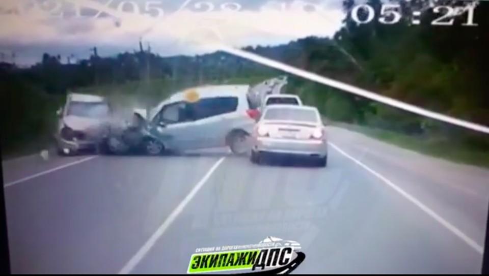 В пригороде Артема произошло серьезное лобовое ДТП. Скрин из видео: dps_vl