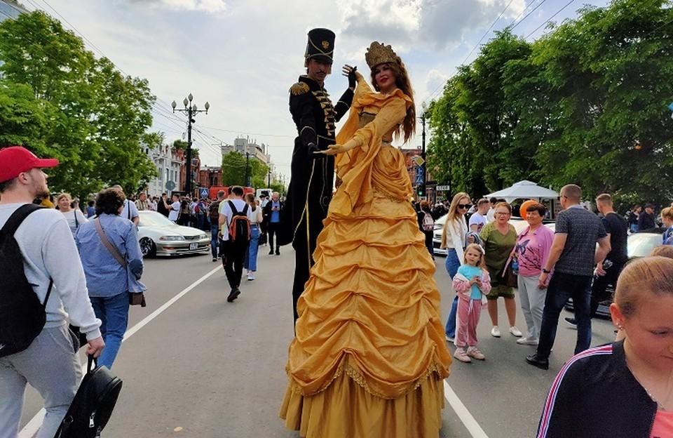 Грандиозный арт-фестиваль проходит на центральной улице Хабаровска