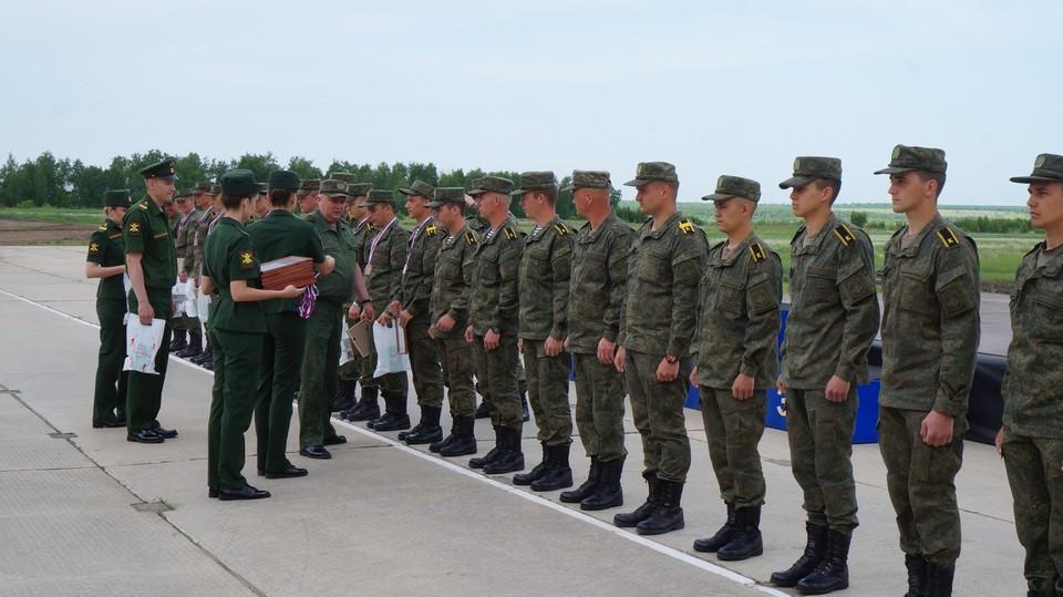 Награждение минометчиков по итогам всеармейского этапа конкурса «Мастера артиллерийского огня»