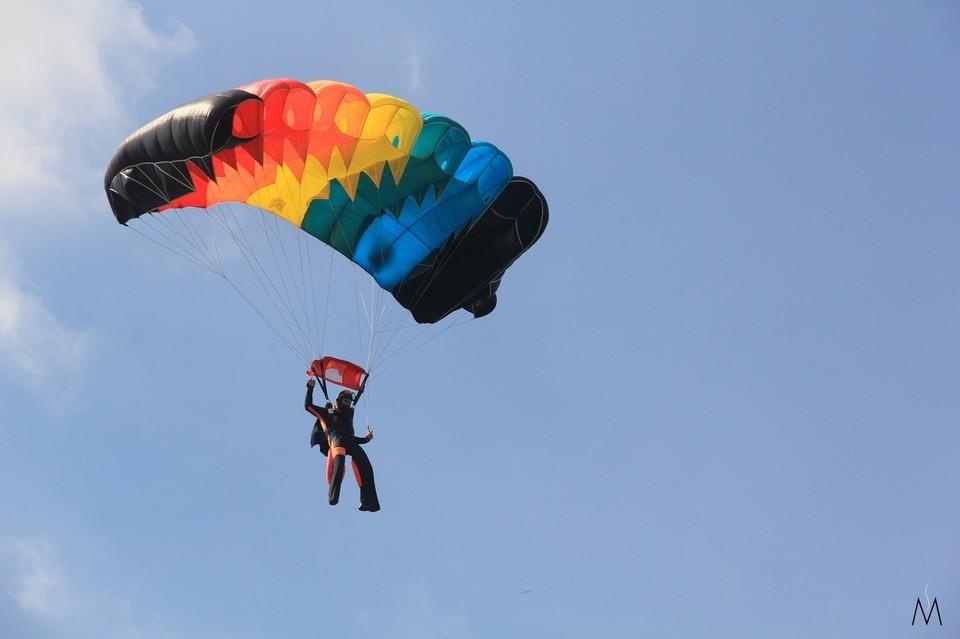 Омич погиб во время прыжка, причины устанавливаются. Фото: vk.com/dzomsk