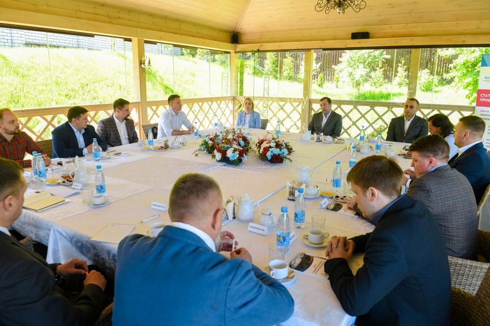 В Смоленске представители льноперерабатывающей отрасли рассказали о проблемах. Фото: администрация Смоленской области.