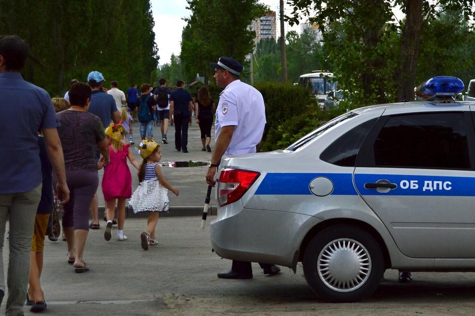 В летние каникулы на дорогах много детей