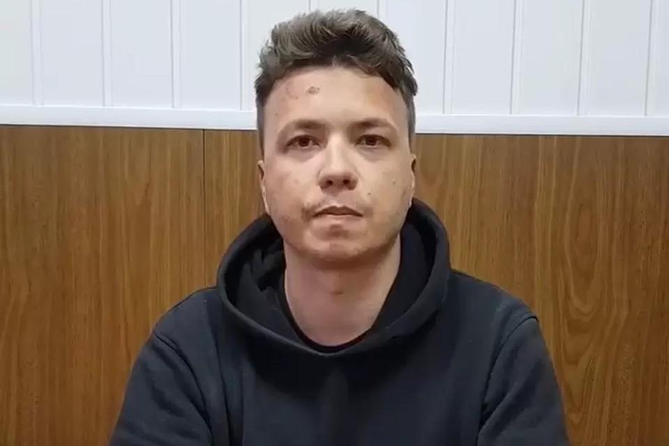 Роман Протасевич объяснил появление ссадины на лбу. Фото: скриншот видео