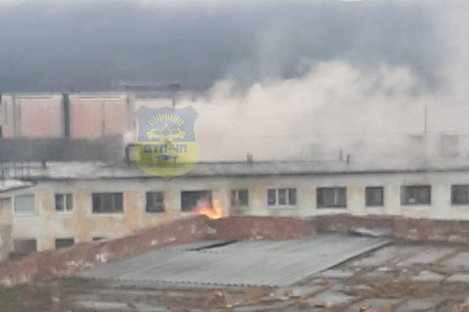 Пожар на улице Свердлова случился утром 1 июня. Фото: vk.com/murmansk_dtp
