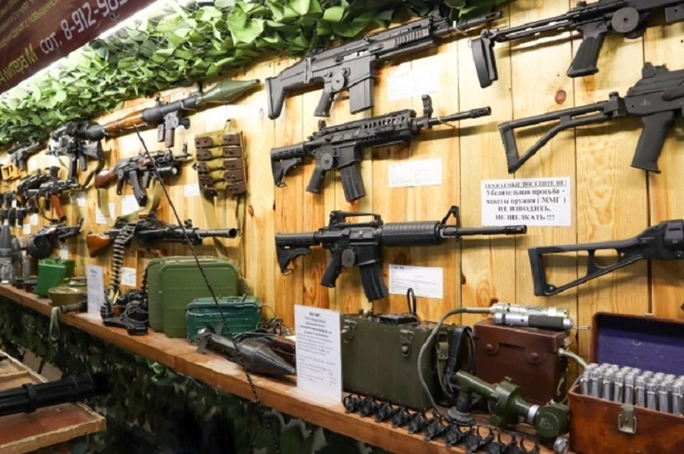 В частности, предлагается увеличить возраст гражданина для получения оружия с 18 лет до 21 года.