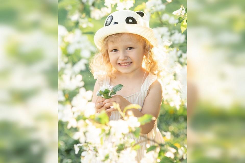 Сонечка Попова мечтает о спасительной операции. Фото предоставлено мамой девочки.