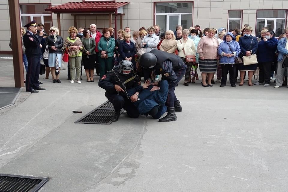 В Новосибирских школах и вузах прошли антитеррористические учения. Фото: УФСБ по НСО.