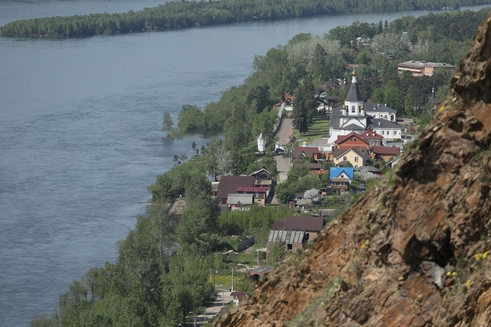 Уровень воды в Енисее в черте Красноярска поднялся за ночь до отметки 4,04 метра